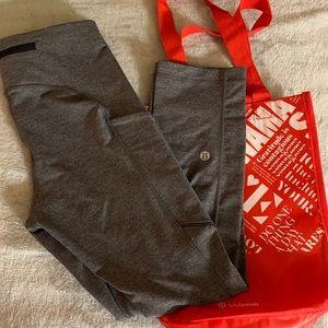 Lululemon leggings w/ red tote bag🍋❤️